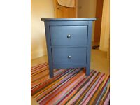 Chest of 2 drawers / bed-side table