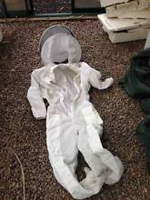 Beekeeping suit with hood and gloves - fully ventilated Diamond Valley Maroochydore Area Preview