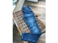 White company skinning jeans size 10