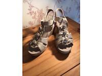 Wedge sandal. Size 6