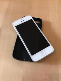 iPhone 5 16gb unlocked to all networks. Good condition.