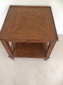 Extending front leaf Side/lamp table