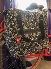 New Looxs bicycle pannier