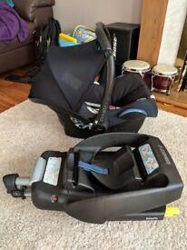 Maxi Cosi EASYFIX Isofix base & Cabriofix Car Seat. Black. GC.