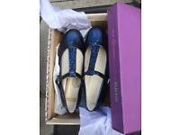 Girls clarks brand new in box shiny blue shoes size 1F