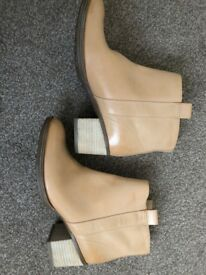 BIEGE LEATHER ANKLE BOOTS (BRAND NEW)