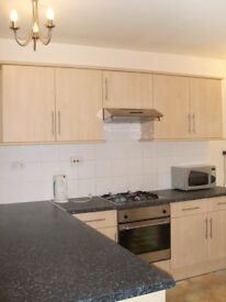 LARGE 5BED DUPLEX FLAT IN HENDON CLOSE TO MDX UNI & PERFECT FOR STUDENTS * FURNISHED * ALL DOUBLES