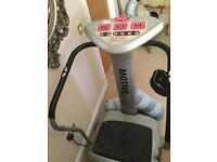 VIBRATION FITNESS PLATE FOR SALE IMMACULATE CONDITION