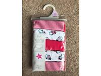 BRAND NEW F&F KIDS COLLECTION GIRLS CHRISTMAS SHORTS WITH STRETCH SIZE 12-13 YRS