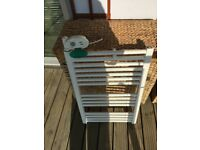 Towel rail with thermostat