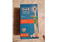 ELECTRIC TOOTHBRUSH (BRAND NEW
