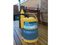 HOZELOCK WATERBUTTPUMP. (BATH or POND) LIKE NEW, EXCELLENT CONDITION. USED, GRAB A BARGAIN.