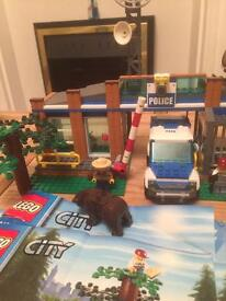 Lego police ranger station