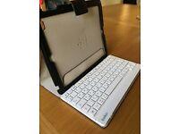 Belkin IPad 2 case with detachable wireless keyboard.