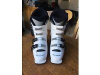 Solomon kids ski boots