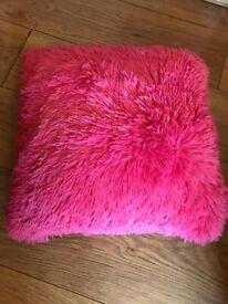 Pink fluffy pillow/cushion