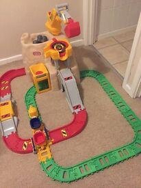 Little tikes construction peak rail and road set