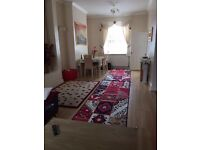3 bed terraced house Fully furniture to rent st1 area