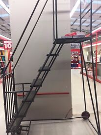 LADDERS FOR WAREHOUSE AIRPORT