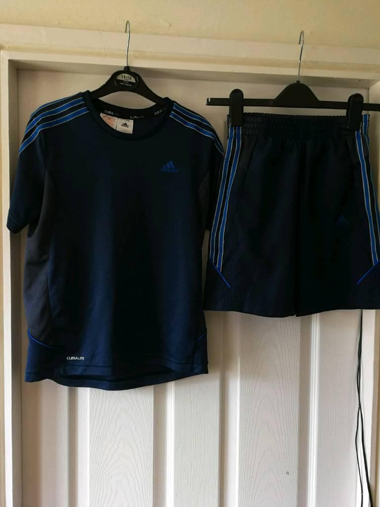 Adidas t shirtmatching shortsin Prestonpans, East LothianGumtree - Adidas t shirt & matching shorts age 11/12. Very good condition, no longer fit