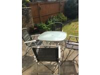 Free garden table and chairs **GONE PENDING PICKUP ON FRIDAY 28th ***