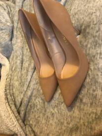 Brand new heels for sale size 7