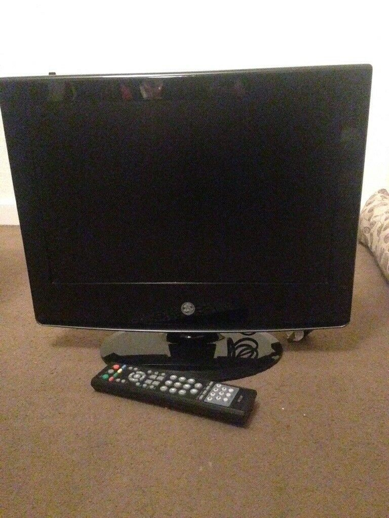 """19"""" mark and Spenser tv with DVD player"""
