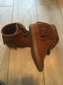Ladies UK size 6 brown tassel boot
