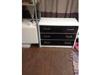 White &black chest of drawer