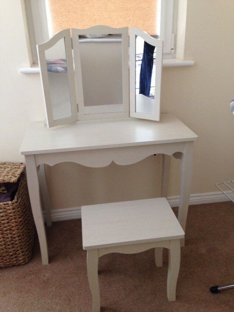 Dressing Table With Mirror And Stool: Lovely White Modern Dressing Table With Stool & Mirror