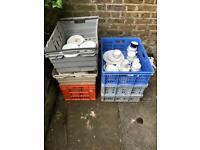 Job lot - plates/ bowls/ crockery