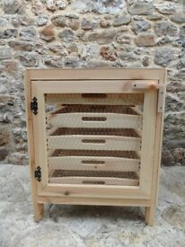 TRADITIONAL WOODEN APPLE PEAR FRUIT STORAGE RACK 5 DRAWER WITH MESH DOOR