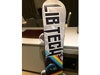 As new snowboard Lib tech trs 159mw with burton bindings