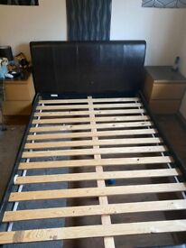 FREE: Double bed in good condition. Possible Delivery