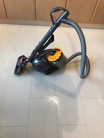 Dyson Ball Multi Floor plus extra carpet head attatchment nearly new