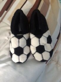Boys size 11 slippers