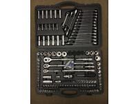 Halfords set tools