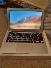 Apple MacBook Air 11 inch Core i5 1.6 Ghz 4gb Ram 256GB SSD