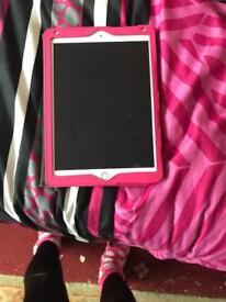 iPad 9.7 inch 32GB