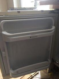 Hotpoint integrated fridge