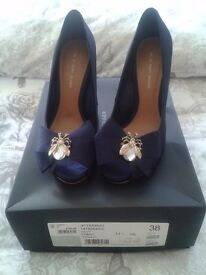 Size 5 navy designer shoes
