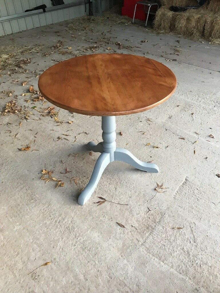 Phoenix furnishings offers gorgeous solid oak table for sale