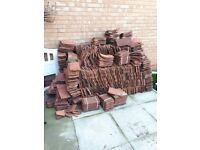 Approx 1500 roof tiles, good condition