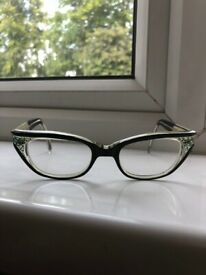 1970'S QUINTESSENTIALLY CLASSIC LUNE LYNE GLASSES - EXCELLENT CONDITION