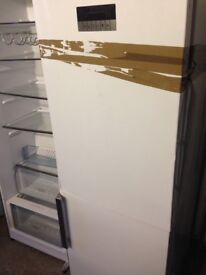 Grindin White fridge freezer.... Ex display Mint free delivery