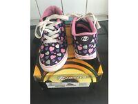 Girls heeleys size 2 skatehut