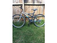 """Women's mountain bike Apollo Gradient 17"""" frame, 18 gears"""