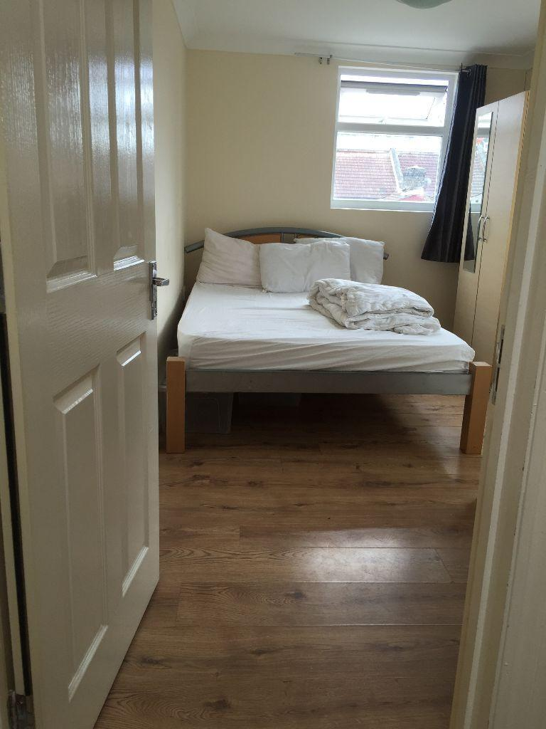 Tidy EN-SUITE ROOM in LEYTON for £775.00 pcm