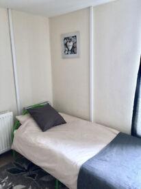 Single room in Darlaston, furnished, bills inclusive of rent no deposit.