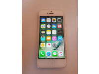 iphone 5 white in great condition works with Vodafone network